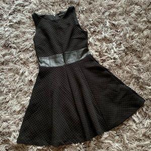 Club Monaco mini black dress size 4 B1